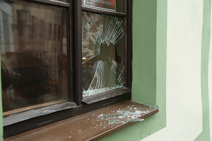 A2B Glass are able to board up broken windows while they are being repaired in Lambeth.